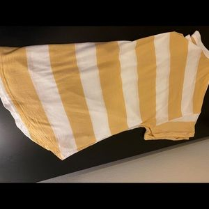 💛Yellow/gold striped tee💛